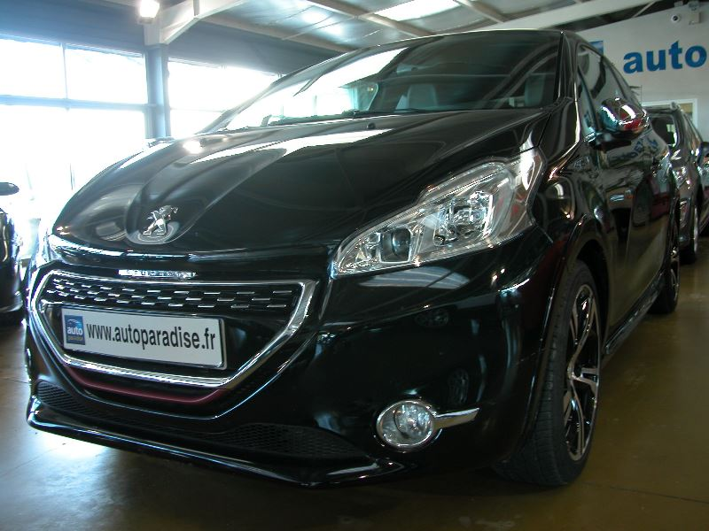 Véhicule d'occasion PEUGEOT 208 GTI 1.6 THP 200