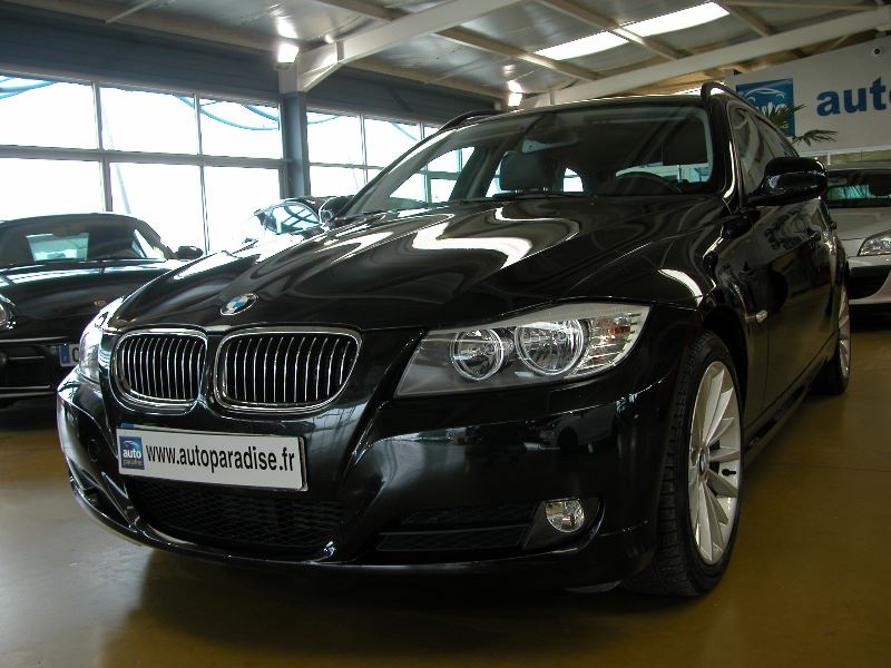 Véhicule d'occasion BMW SERIE 3 TOURING 325D LUXE